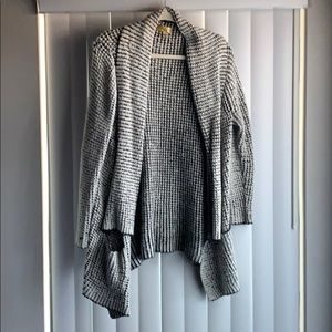 Super warm and comfy Vera Wang Thick Cardigan